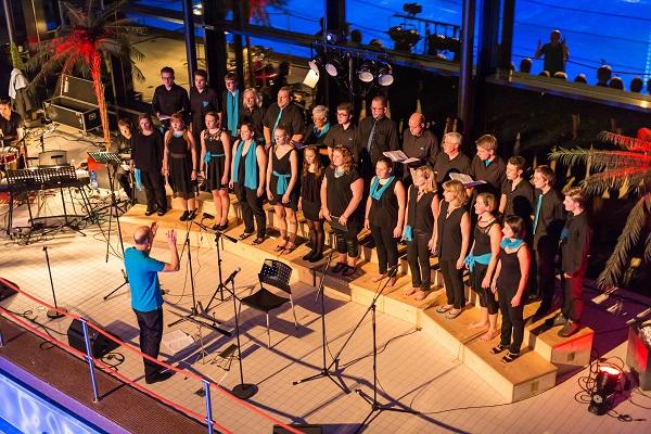 007-Chor und Gäste begeistern
