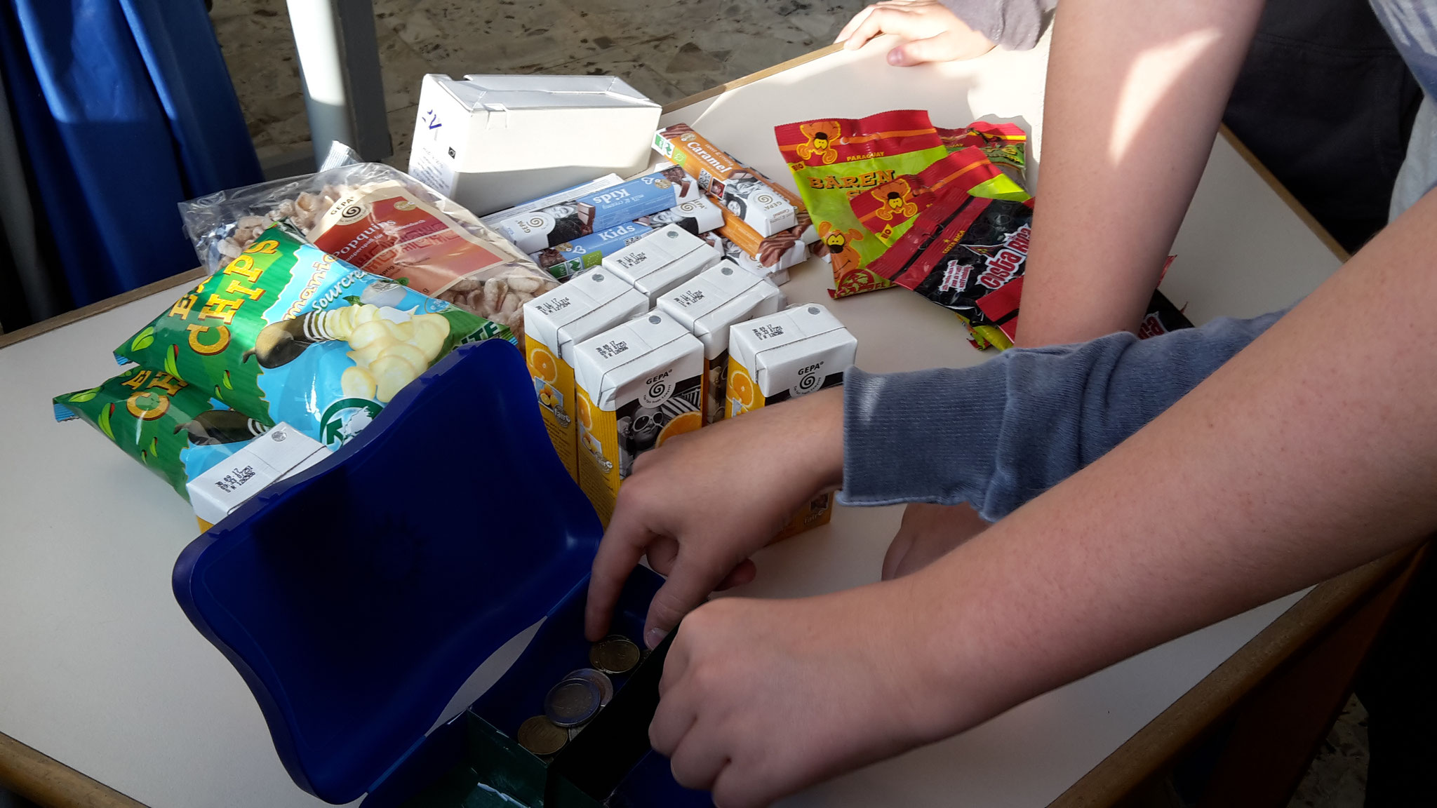 Neu! Verkauf von Fairtrade-Produkten jetzt auch in Hochneukirch